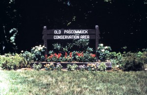 Old Pascommuck signage